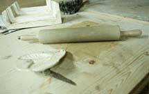 Stampi e strumenti per lavorare l'argilla