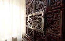 Dettaglio di stufa marrone presso abitazione moderna