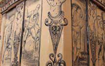 Dettaglio di stufa a olle con decorazione a mano di colore blu